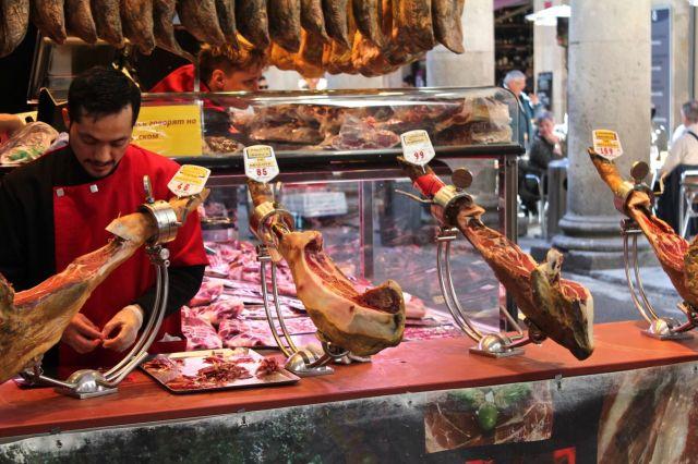 Jamón at Mercat de La Boqueria